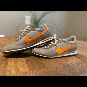 Women's Nike Air shoes 7.5